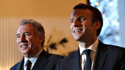 François Bayrou se retira y se une a Macron