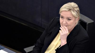 Le Pen pierde la inmunidad europea