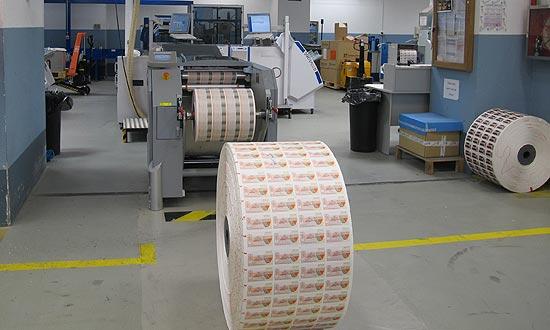 Para imprimir los décimos se emplean más de 2 millones de metros de papel