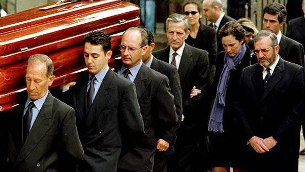 Muere Amparo, la mujer y compañera