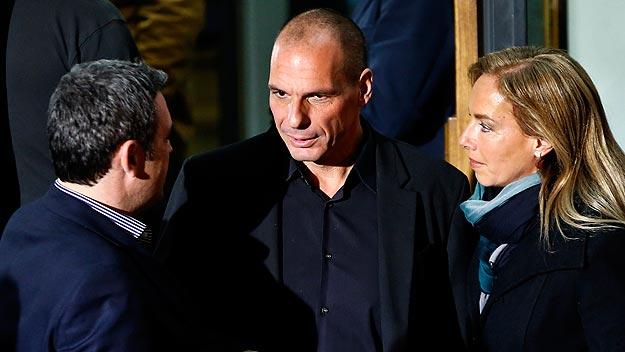 Yanis Varoufakis (centro) en el cuartel general de Syriza. Foto: REUTERS/Alkis Konstantinidis