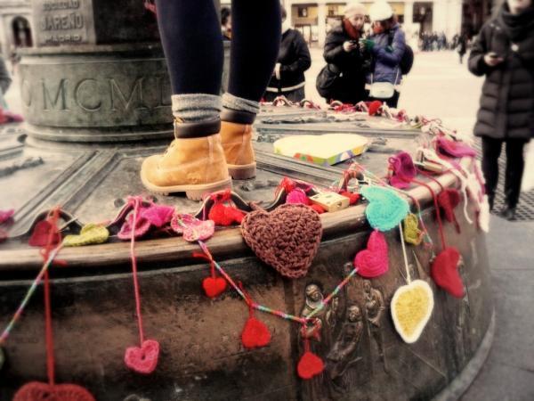 Reparto de corazones por San Valentín