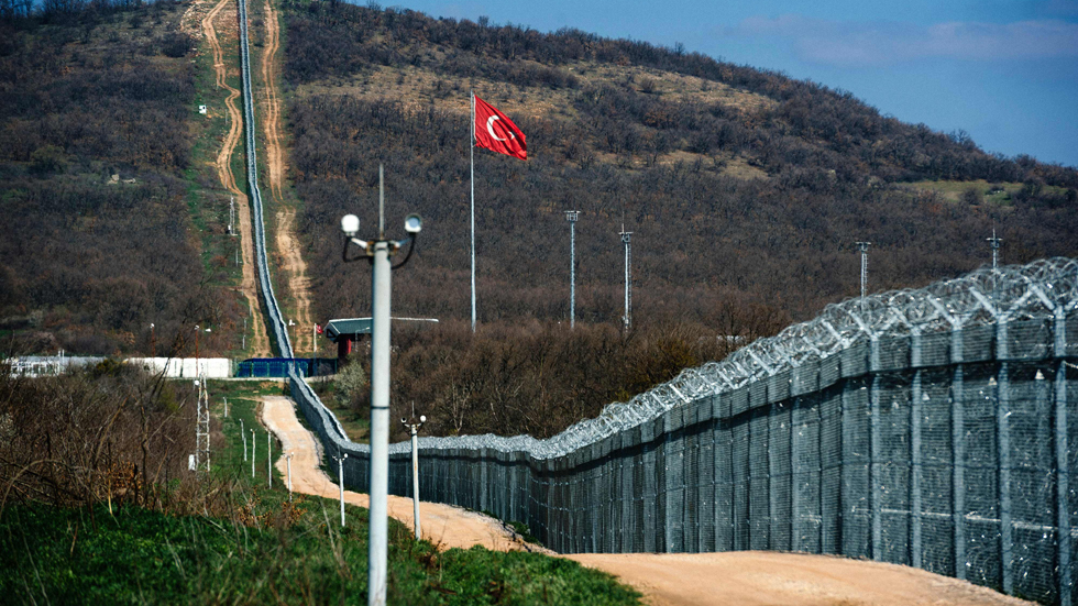 Alambrada construída en la frontera turco-búlgara