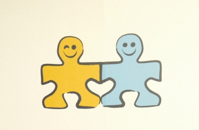 http://www.rtve.es/files/74-124455-FOTO_NOTA_PRENSA_399/Logo_Un_juguete.jpg