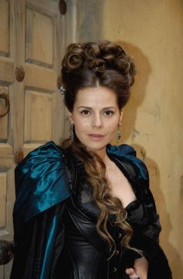 La actriz Myriam Gallego interpreta a la Marquesa de Santillana