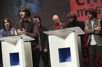 'Vetusta Morla' recogiendo el Premio Ojo Crítico de música moderna que de RNE en octubre de 2008
